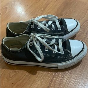 Converse girls shoes size 1
